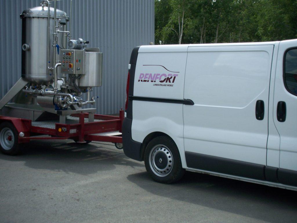 Filtration sur terre prestations particulière de mise en bouteille vin par Renfort